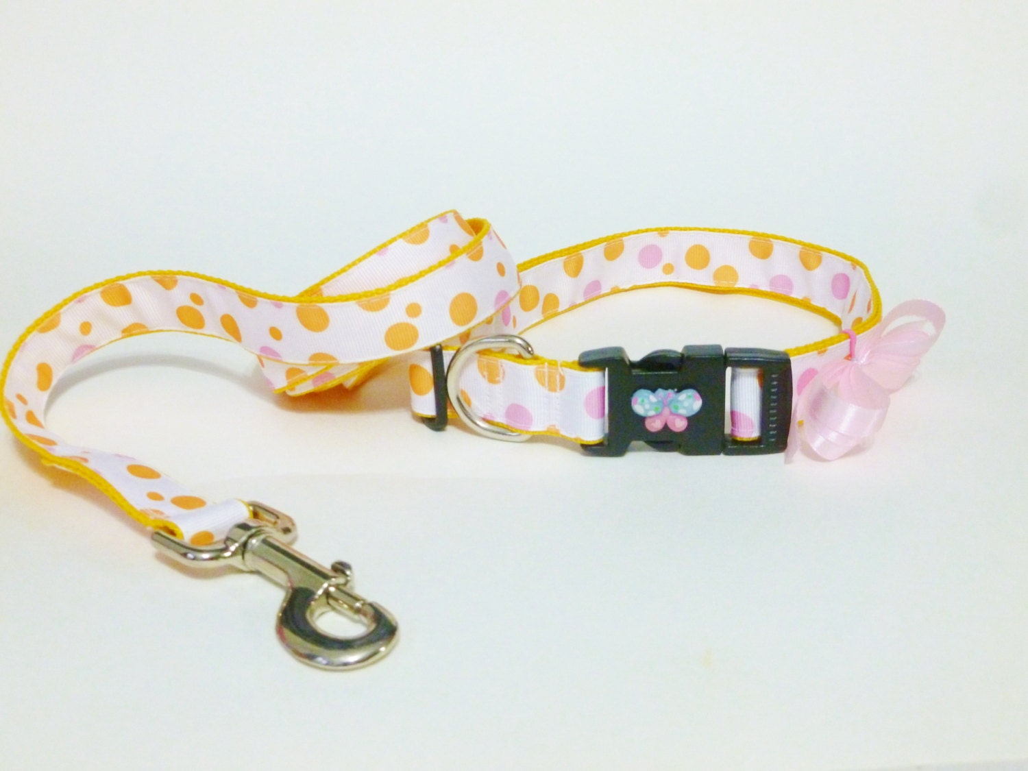 Dog Collar with Leash - Polka Dots - thedoggiehouse