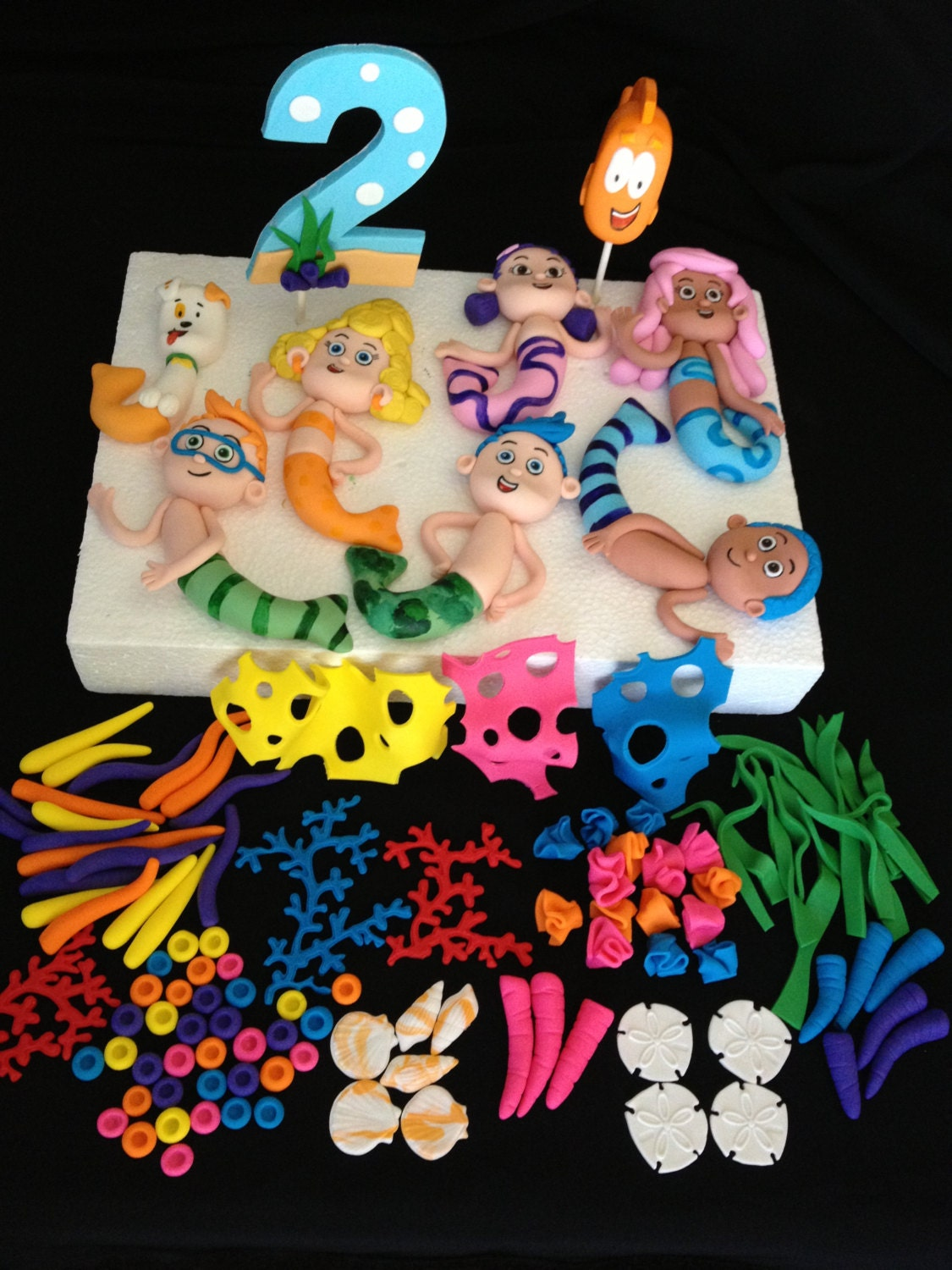 Items similar to Complete Bubble Guppies Cake Topper Kit ...