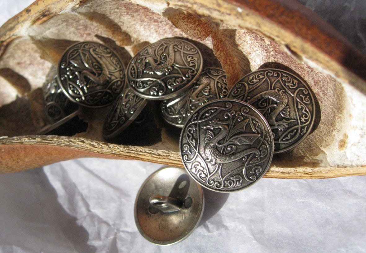 2 x Celtic Dragon Antique Silver 22mm Buttons (ST3922)