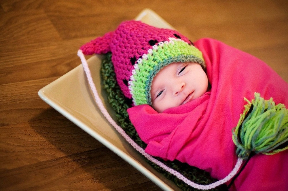 Cute watermelon Elf hat. 0-12 month. Great for a newborn photo prop or for a gift. Item 055