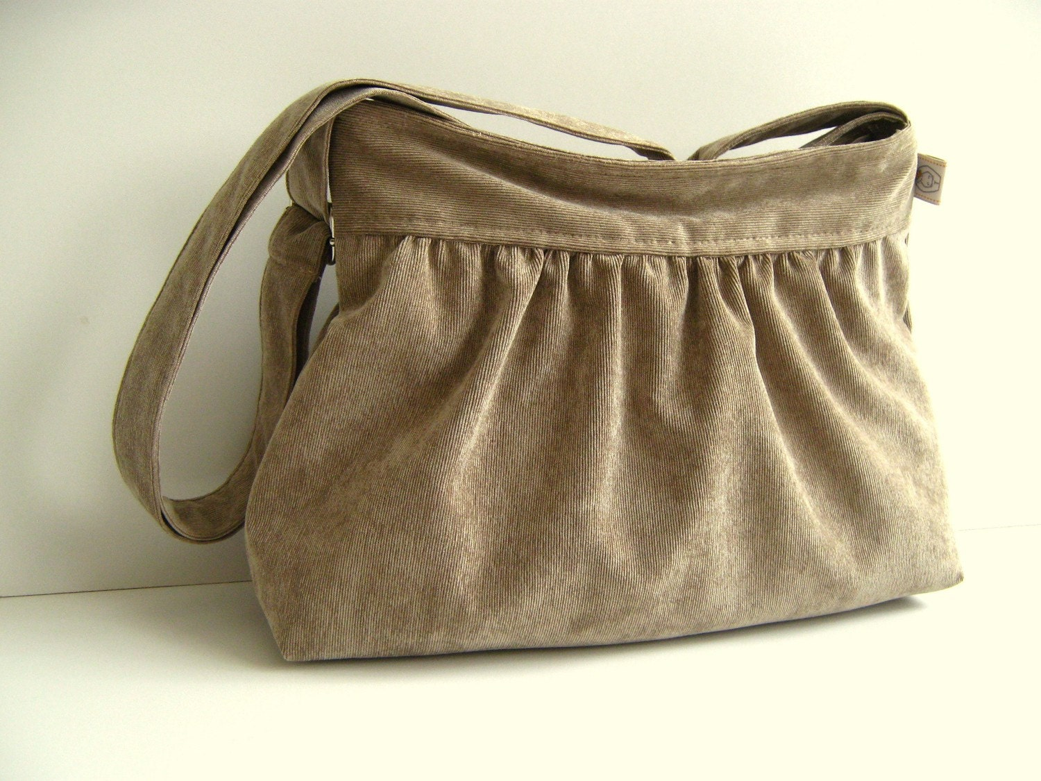 Perry in HONEY velvet corduroy -Small- --adjustable strap and top ZIPPERED CLOSURE --