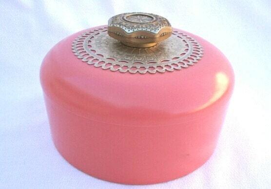 Vintage vanity  coral pink powder box 1950s