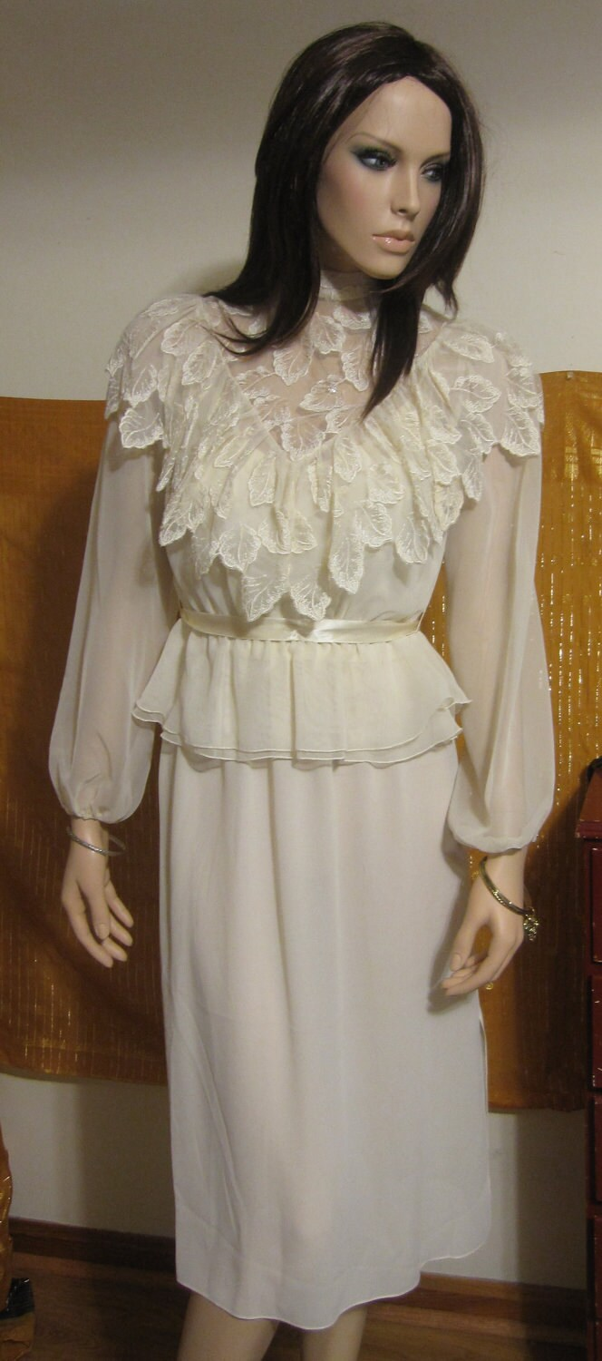 vintage 1970s Norman Berg for Denise Fashions jacket with lace leaf details and covered buttons