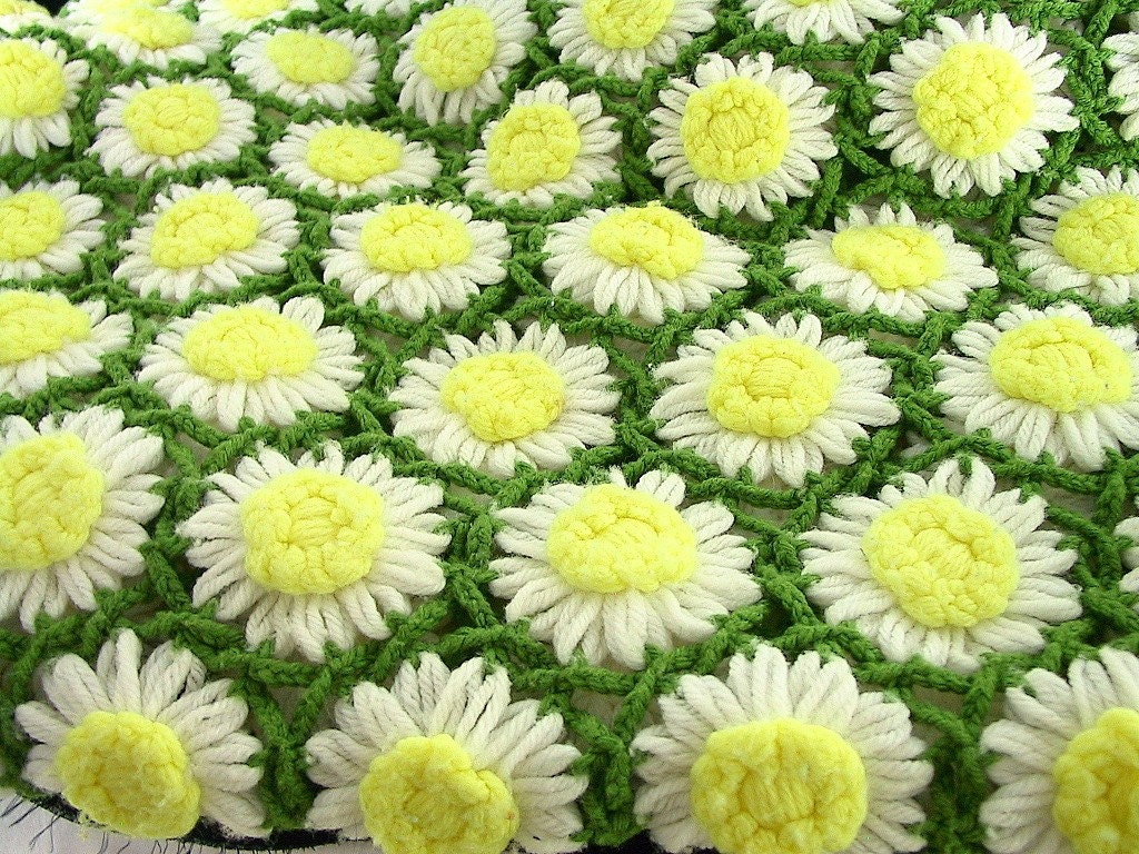 Field of Daisies Vintage  Afghan in Yellow, White and Green