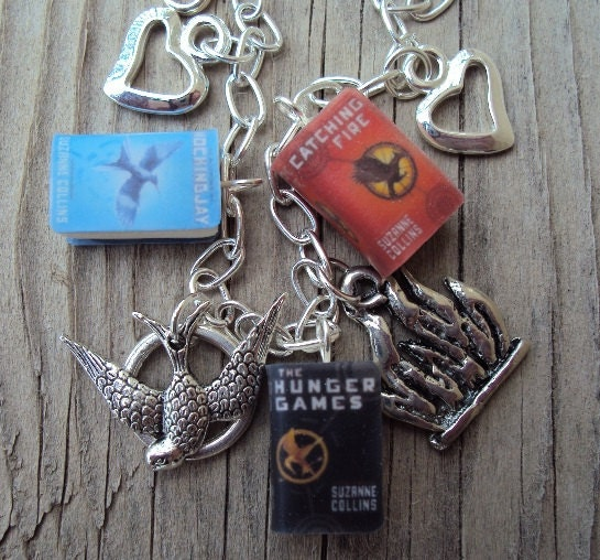 Simple HungerGames Books Charm Bracelet with Charms