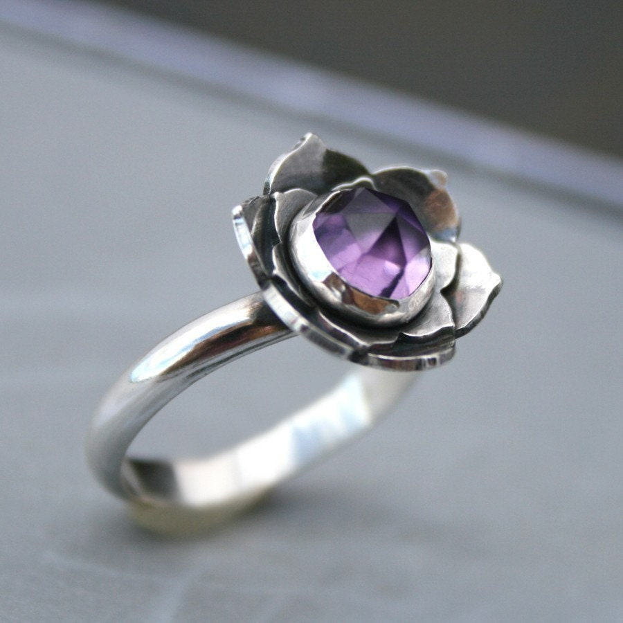 Lotus Amethyst Ring, Sterling Silver Cocktail Ring, Statement Ring, Solitaire, Faceted Rose Cut Gemstone, Purple Jewel, Lotus Flower - KiraFerrer