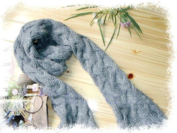 دست - knitted پشم خاکستری روسری