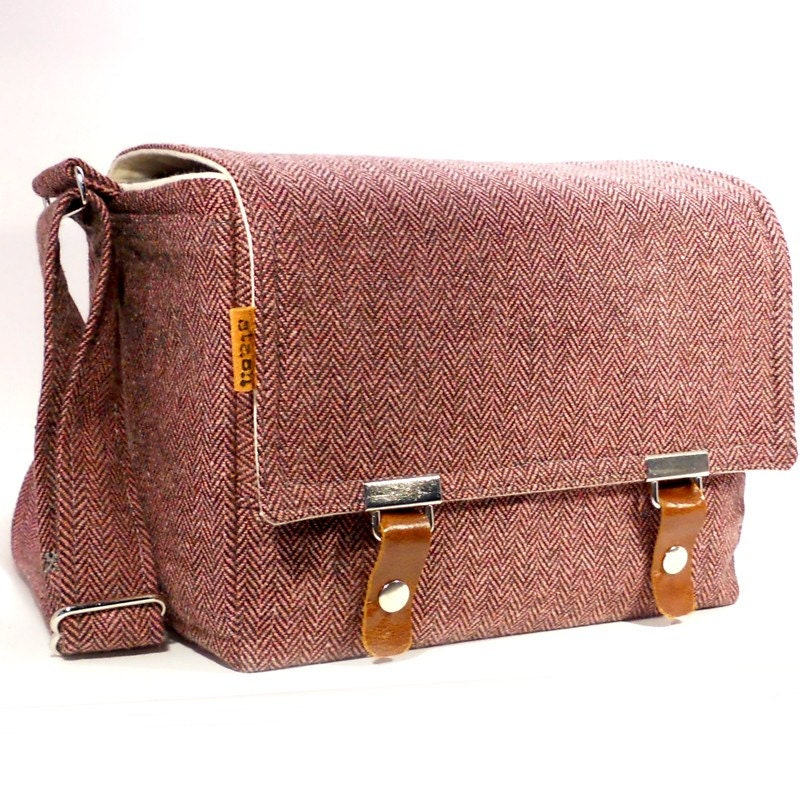 Medium DSLR camera bag with padded insert  - pink and brown wool
