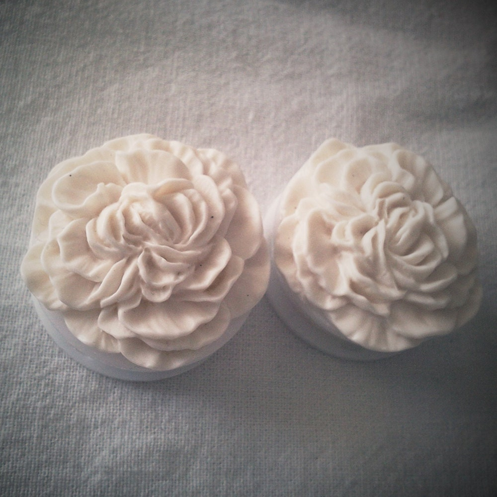 13/16 inch 20mm White Carnation Acrylic Double by Glamsquared