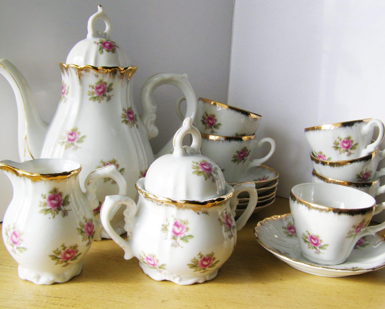 girl 39 s porcelain tea set vintage japan child size by lorettascache. Black Bedroom Furniture Sets. Home Design Ideas