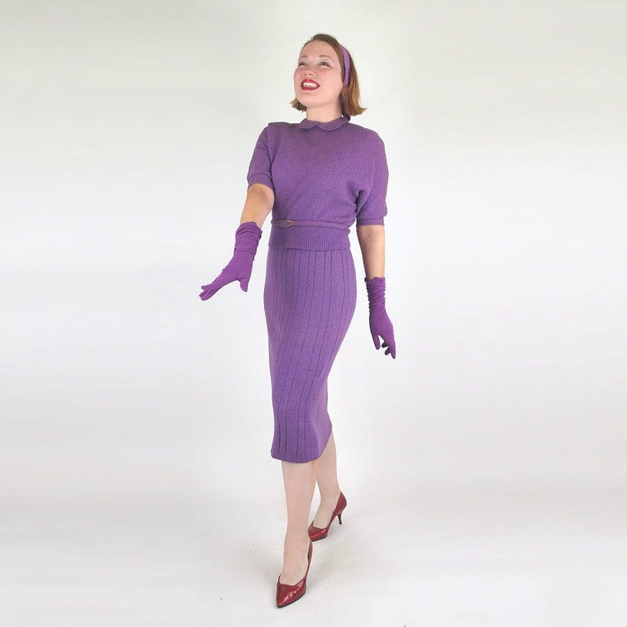 50s Purple Bouclé Wool Sweater Suit with Belt by Rosanna L - denisebrain