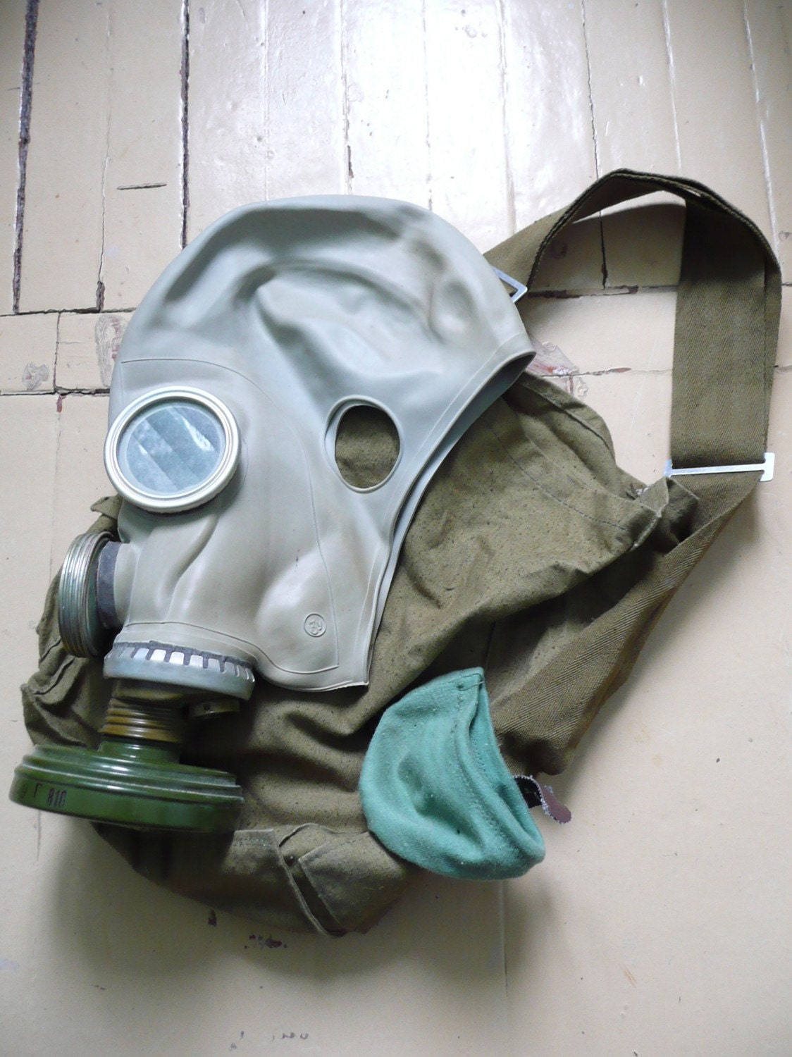 Gas Mask full kit Vintage