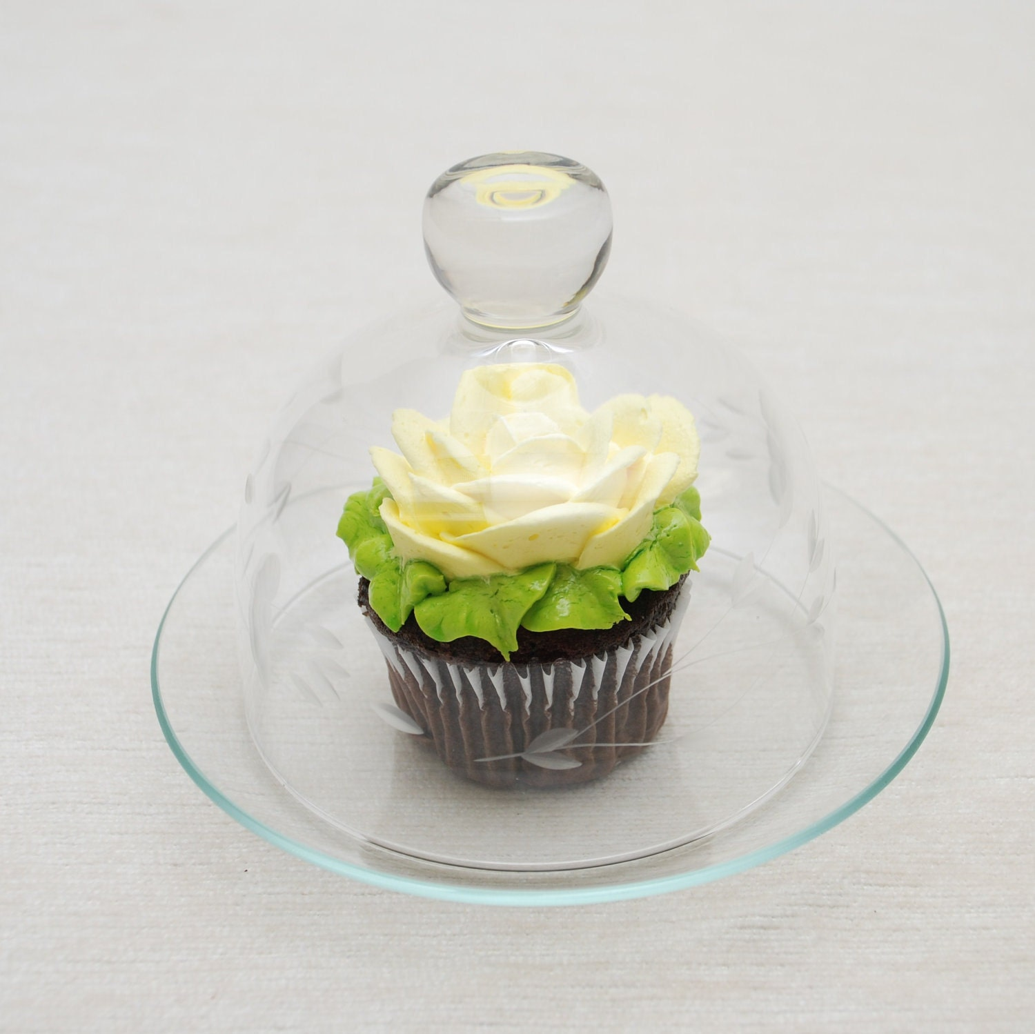 Adorable Cupcake Sized Cake Plate with Glass Dome