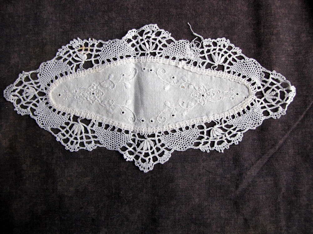 antique vintage lace doily - handmade  - lovely piece - faginsdaughter