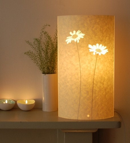 Tall Oval Daisy Table Lamp