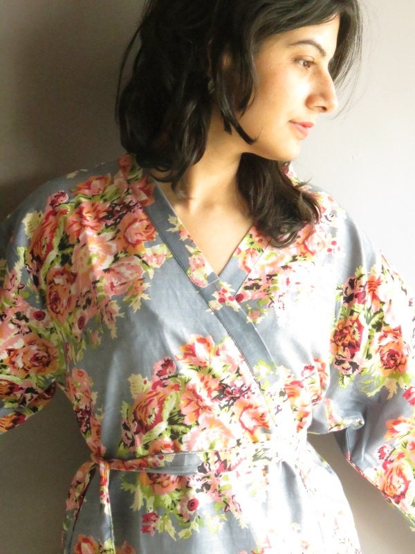 Kimono Robe - Gray Floral Crossover Knee length Robe..getting ready robe, bridal robe..make lovely pre-wedding photos..wedding favors