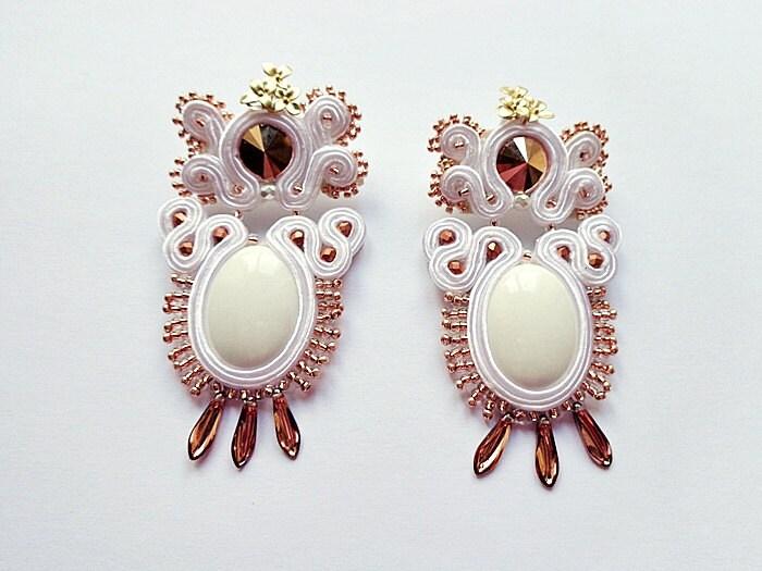 Orecchin soutache bianco e oro rosa con giadeite