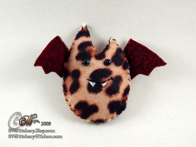Batling Pin Brooch - Leopard Cranberry Red