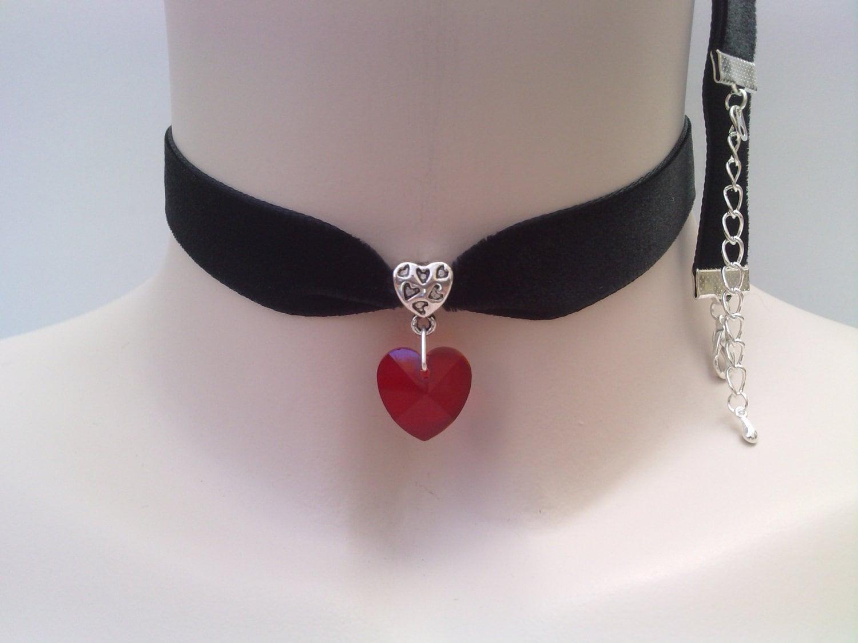 Large RED Glass HEART Charm Pendant BLACK от TwirlyTrinkets