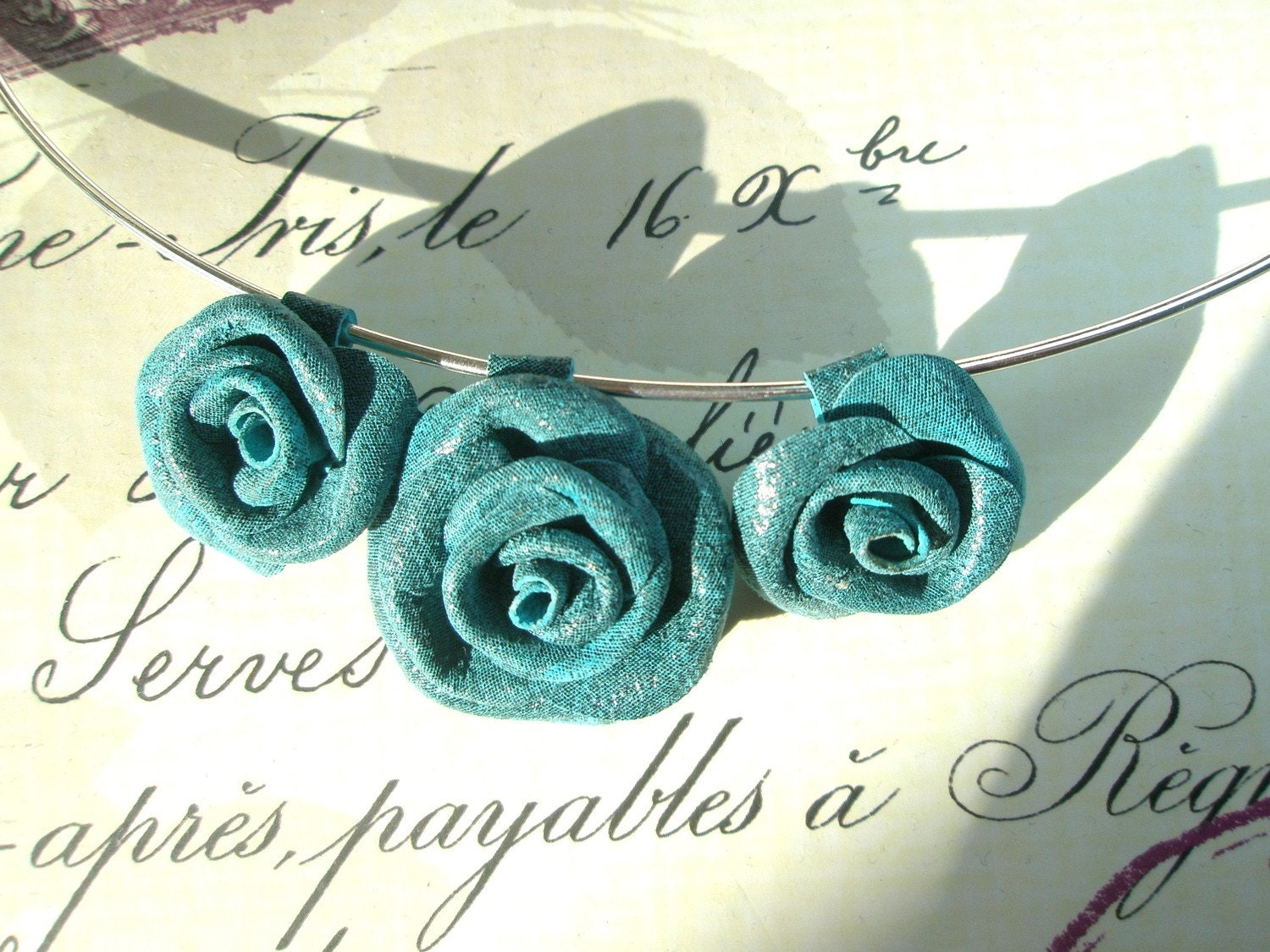 Blue Inky Leather Flower   Roses Necklace