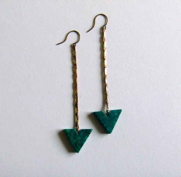 no. 410 - green stone and chain earrings