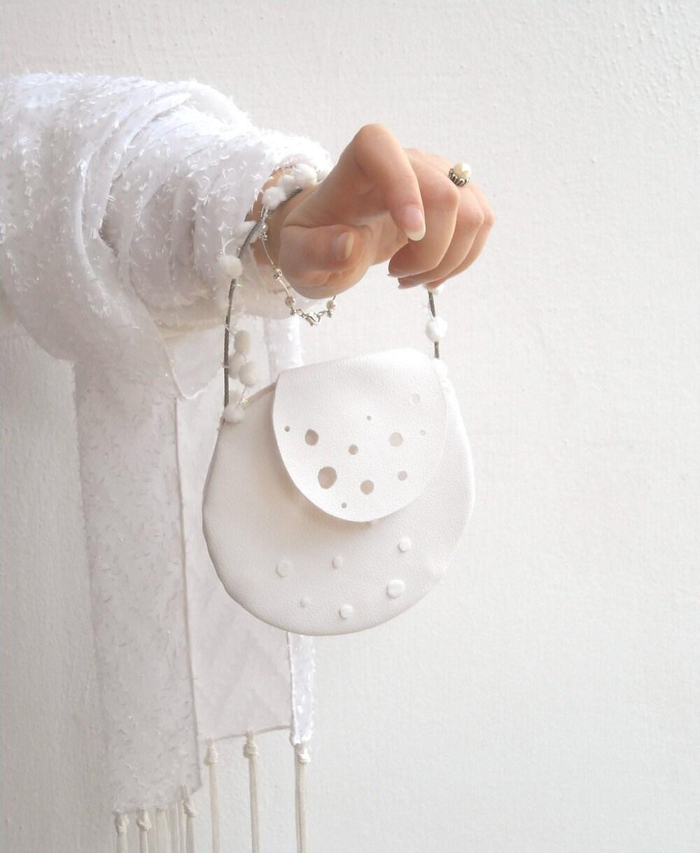 CANDIDA snow white handbag