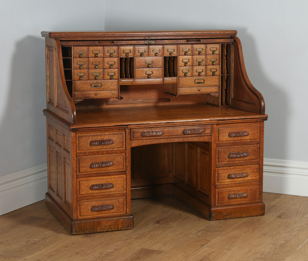 Antique English Victorian Oak Roll Top Pedestal Office Writing Desk (Circa 1890)