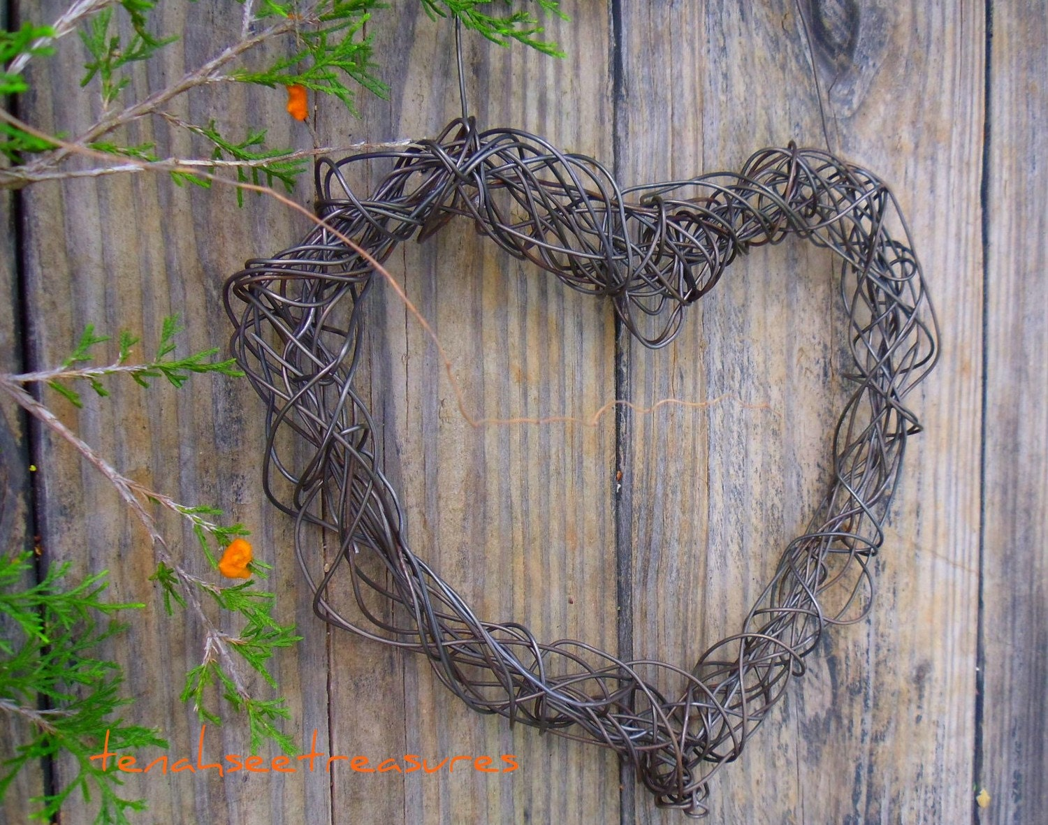 Hanging Heart Wall Decor : Wire heart hanging wall decor by tenahseetreasures on etsy