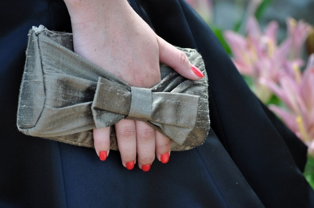 Clutch - The Norma Clutch with Bow Handle - Latte