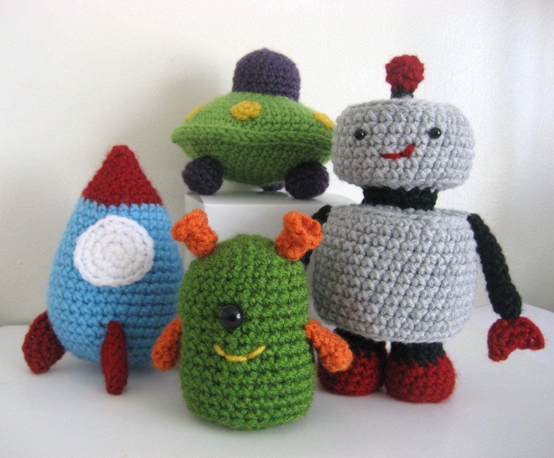 PDF-Amigurumi pattern- Robots, Rockets and UFO's Amigurumi Toy Pattern Set
