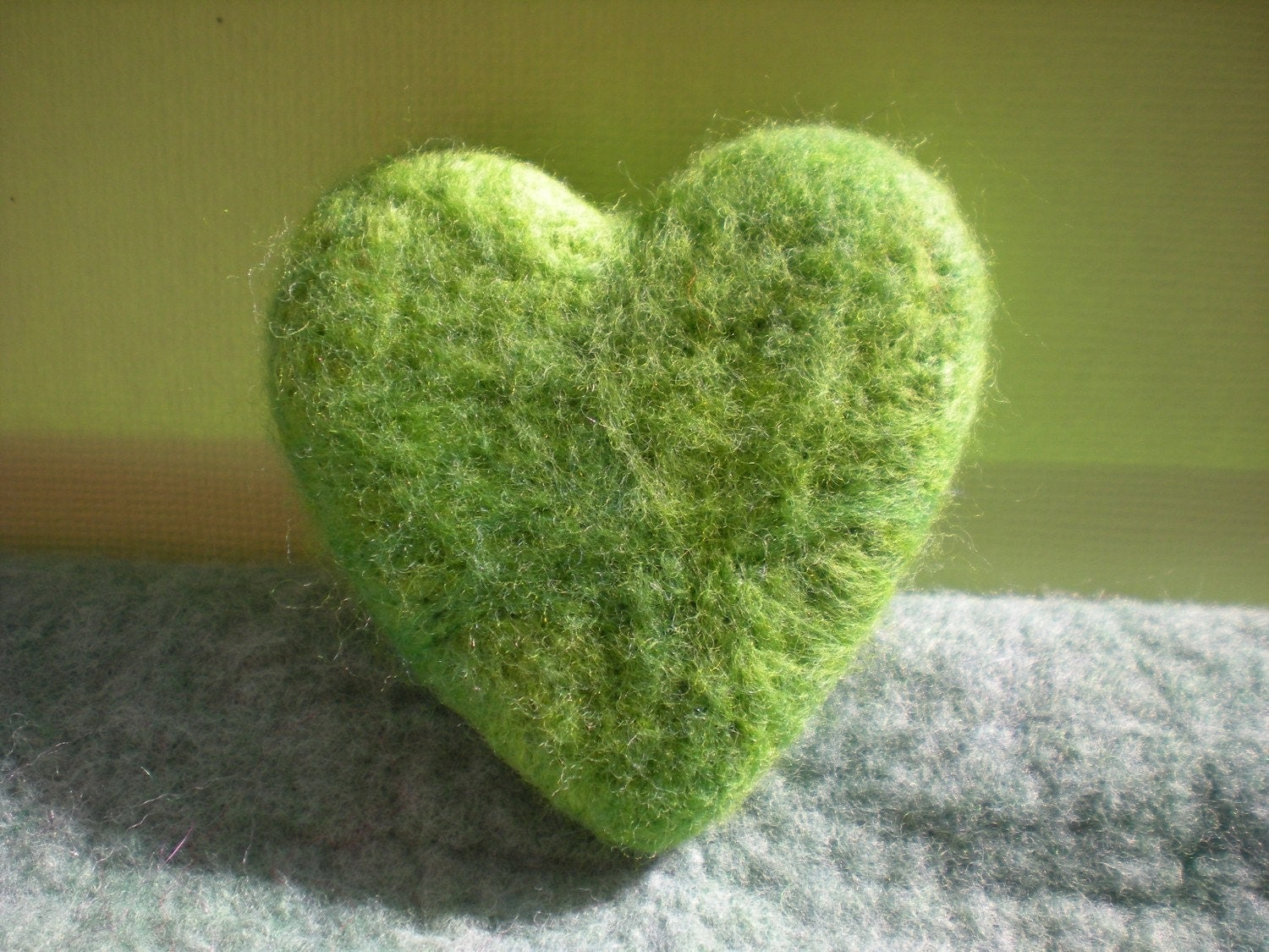 Luxe Fresh Bamboo Green Heart/Lavender Filled Needle Felted Love Token
