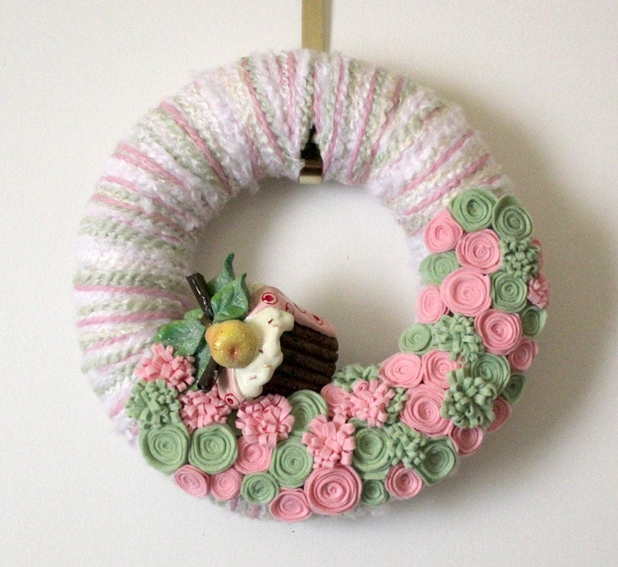 Holiday Sugarplum Wreath, Pink and Green Yarn and Felt - 12 inch size