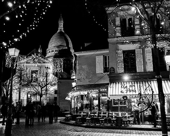 Montmartre paris black and white by unairdeparisbyalbane for Black and white paris wall mural