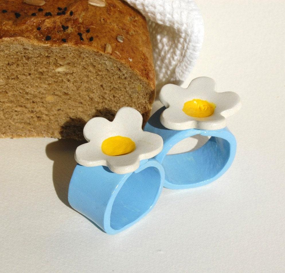 4  Retro style Aquamarine Napkin rings with Daisy like flower handmade