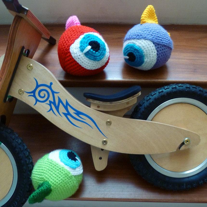 Items similar to Amigurumi Monster Crochet Pattern, Eye ...