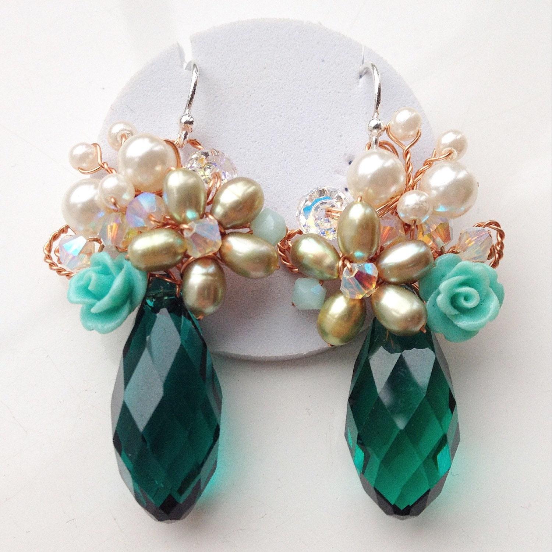 Green earrings sparkle jewelry Crystal earrings Chic bridal jewelry Romantic pearl jewelry Emerald green Jewellery Statement earrings