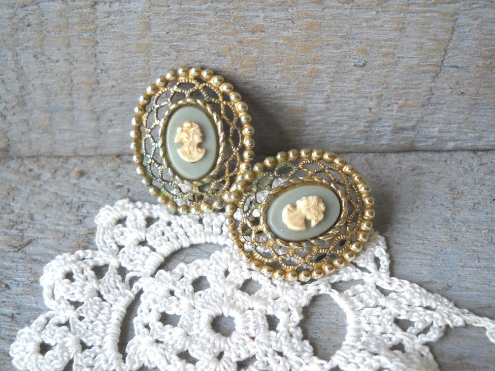 women's vintage jewelry in mint green with gold filagree and ivory cameo