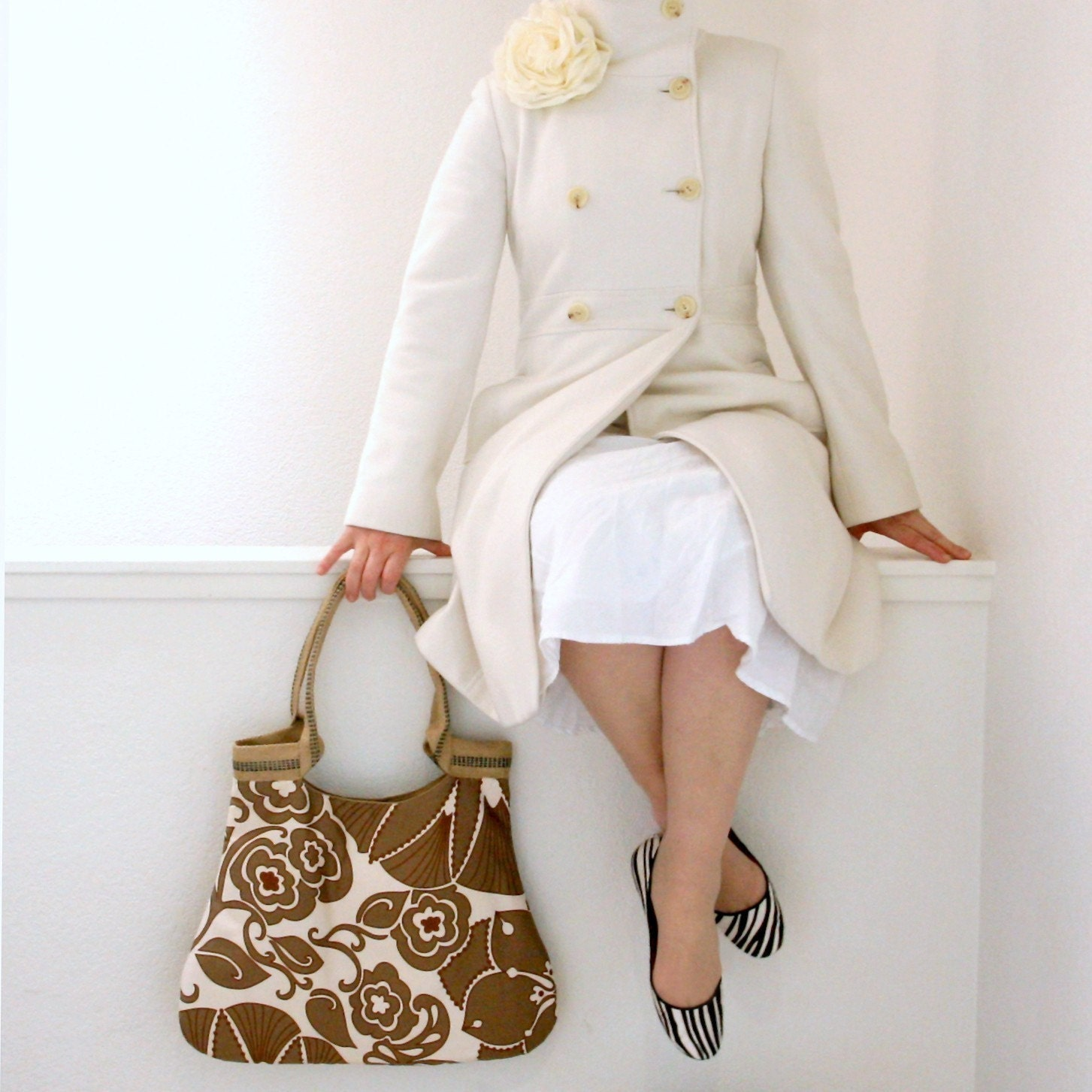 shadow ivory  basic tote