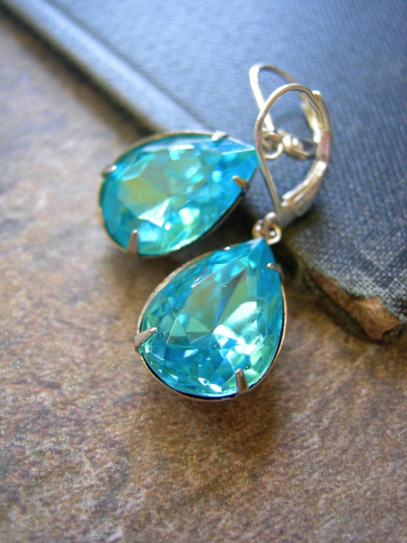 Vintage Glam Earrings (Aqua)
