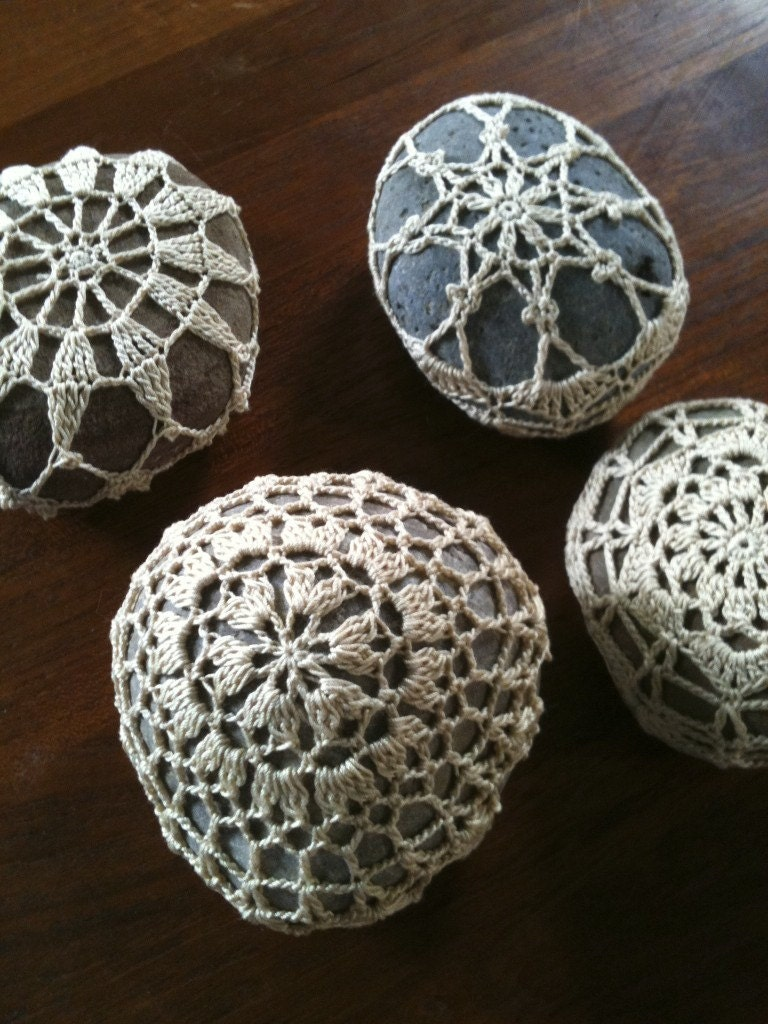 JAPAN RELIEF: Rocrochet- Wheel- hand crochet Lace-covered Malibu Beach Stone Guest Book Paperweight