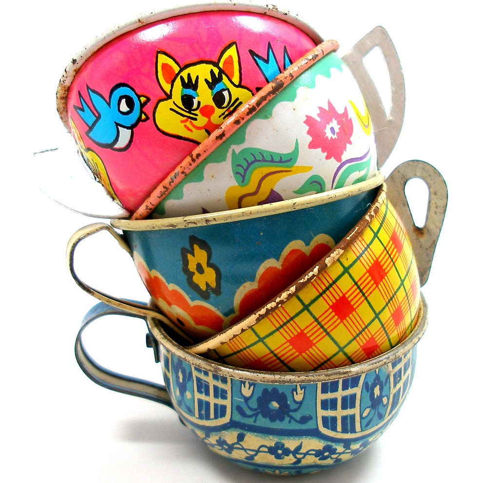 Toy Tea Cups, Set of 5 vintage tin in pink, blue & yellow, Instant Collection.