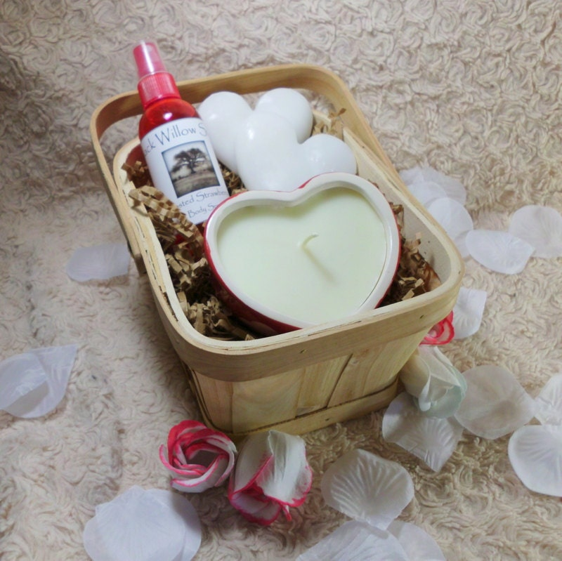 Victorian Vanilla Rose Gift Basket by Black Willow Soaps on Upcycle Fever