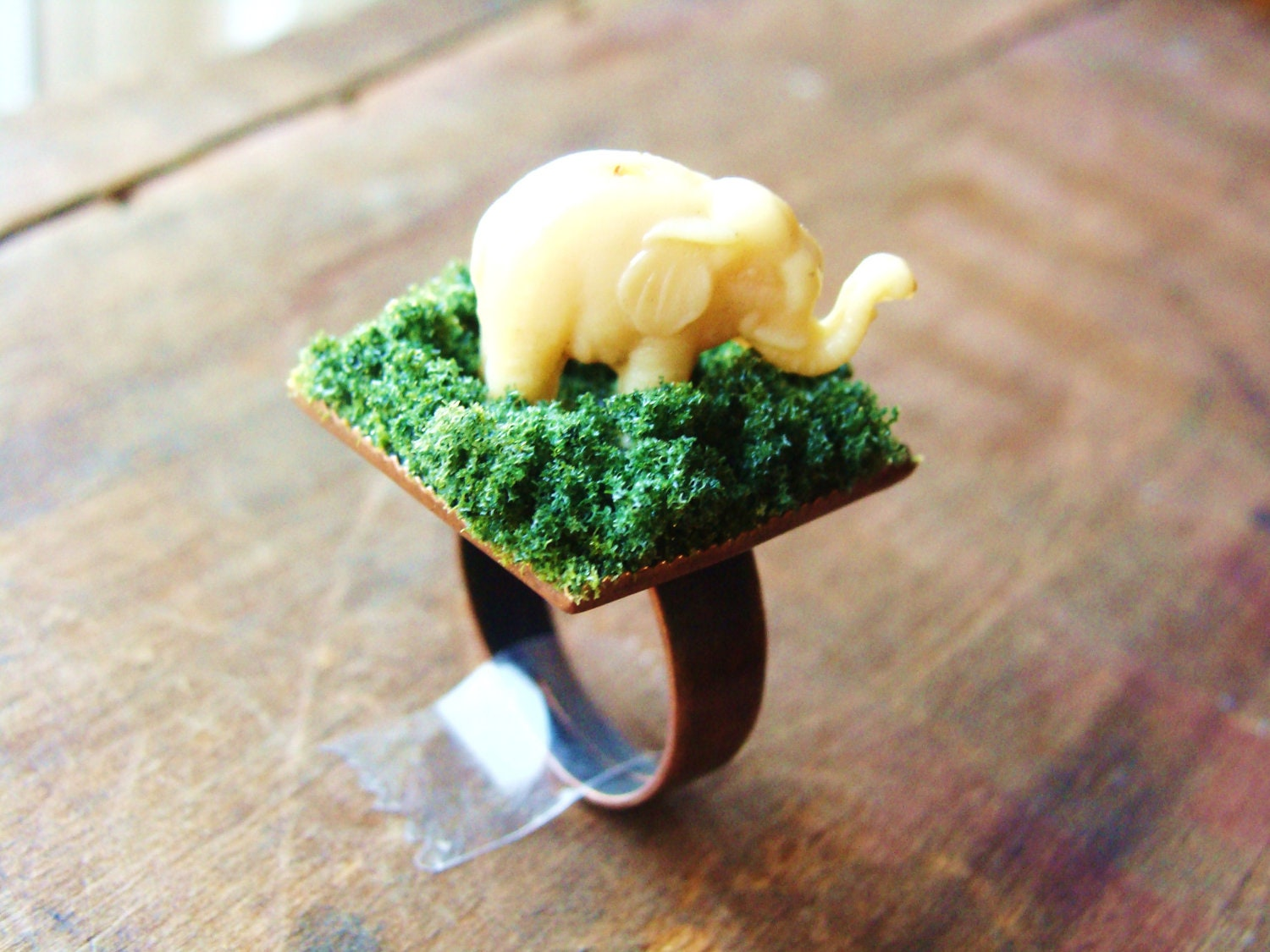Ring. Elephant in Tall Grass. Miniature Ivory Elephant Ring on Antiqued Copper Band. 25 mm - RustyKeys