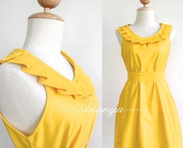 Fully lined yellow pleated collar dress with pockets