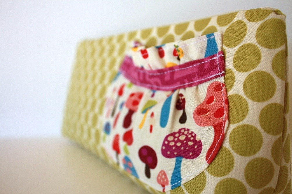 Cosmetic Makeup Bag - Pocket Full of Posies - Handmade - Made to Order