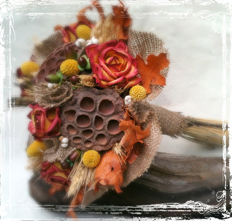 Осенний букет невесты - Осень Свадьба - массивные, оранжевый, коричневый, пшеница, мешковина, желтый, Craspedia, Билли шары, Lotus Бобы, Осенние листья