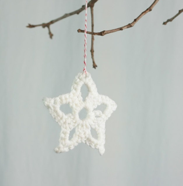 Christmas ornaments, package tie ons, hand crocheted star,  white - ChocolateDogStudio