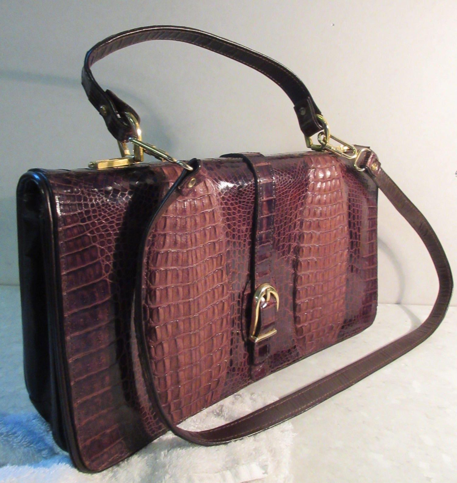 Vintage Early 1970s Alligatorskin Handbag With Short Strap  Shoulder Strap  STUNNING!!