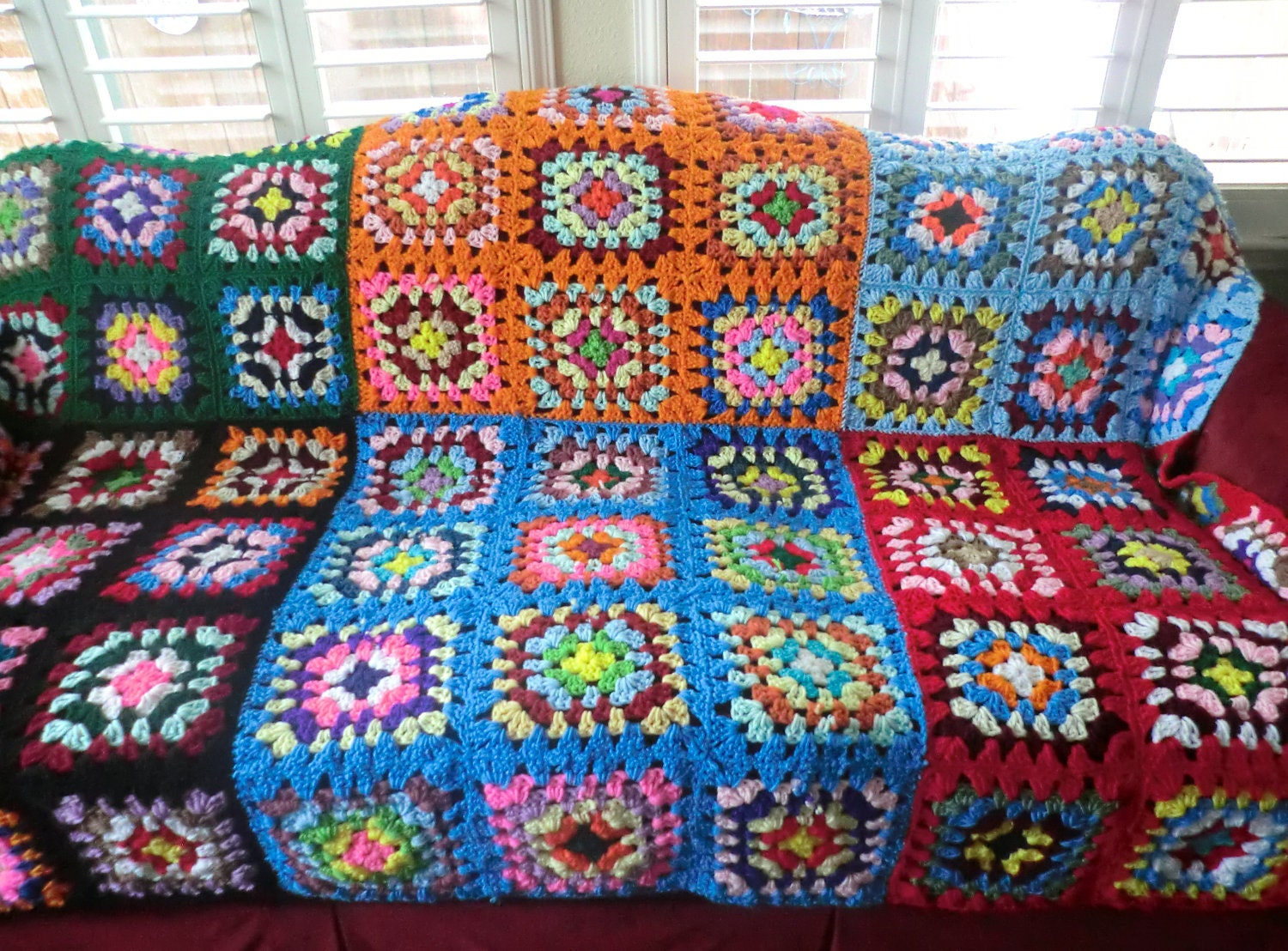 il 170x135.321212950 Etsy Crochet Treasury: Colors Around a Granny