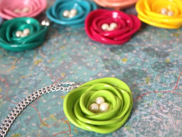 Lime Green Spring Bloom Necklace